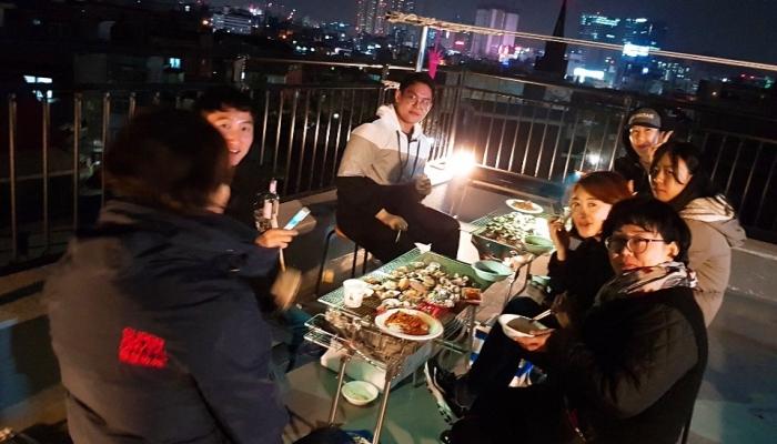 홍시주택 12월 모임; 조개구이와 타로